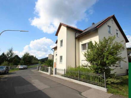Hochwertig saniertes Mehrfamilienhaus inkl. PV-Anlage für Kapitalanleger in Wernberg-Köblitz.