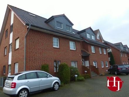 Helle Drei-Zimmer-Wohnung in zentraler Lage mit Einbauküche und zwei Balkonen!