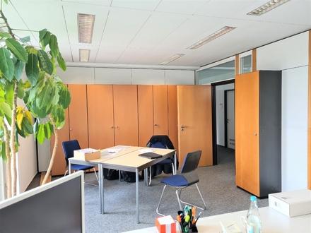 Büro oder Praxis !!! Ruhig und dennoch mit super Verkehrsanbindung! Ihre neue Büroetage!