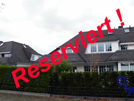 Sofort frei! Wohnen im Landhausstil: Attraktive Eigentumswohnung über 2 Ebenen in begehrter Lage.