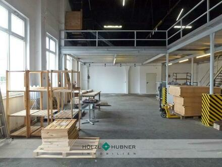 Gut belichtete Hallenfläche mit Galerie in Freilassing