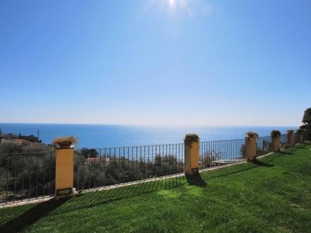 Villa mit spektakulärem Meerblick