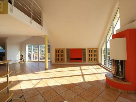 Einmalige Maisonette-Wohnung mit Premiumausblick, herrlichem Balkon und Einbauküche!