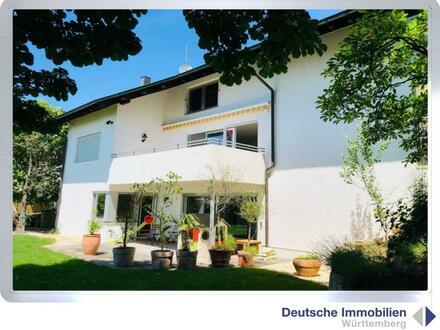 Für die Familie: saniertes Einfamilienhaus mit Hallenbad in RT- Mittelstadt