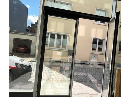 Tolle LAGE - Altstadt Laden im Neuen Kaufhof in Hof !