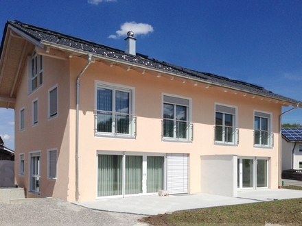 Neue DHH mit 5 Schlafzimmern und 3 Bädern sowie Südwest-Garten in Iffeldorf