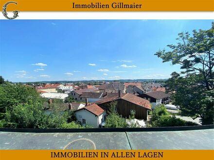 Immobilien Gillmaier - Geräumiges RMH mit Dachterrasse in zentraler aber ruhiger Stadtlage!