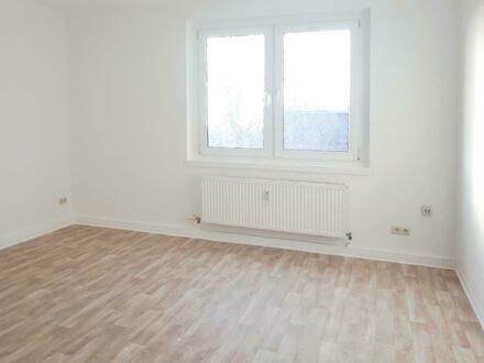 Gutschein geschenkt* Renovierte 3-Raum-Wohnung sucht kleine Familie!
