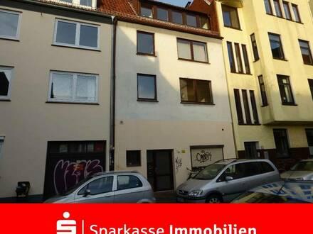 Kapitalanlage: Vermietete, gepflegte Dachgeschosswohnung in der Bremer-Neustadt