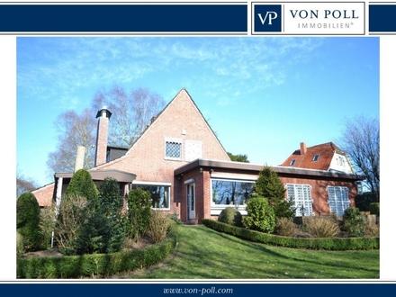 Großzügiges Einfamilienhaus mit separatem Sauna- und Poolhaus