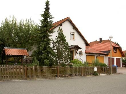 EFH in Seybothenreuth, ca. 120 m², sehr gepflegt, ruhige Lage