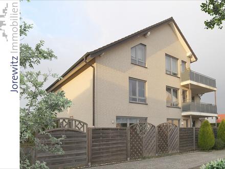 Bielefeld-Brake: Gepflegte und ruhige 3 Zimmer-Wohnung mit Terrasse