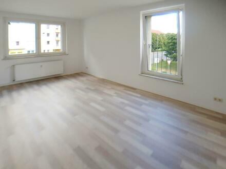 Liebevoll renovierte 4-Zimmer-Wohnung, auf Wunsch mit Einbauküche!