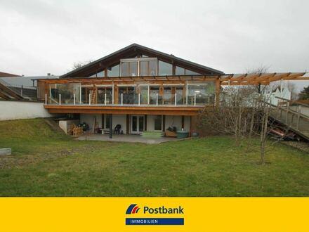 vielfältiges und stilvolles Zweifamilienhaus in modernem Ambiente