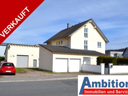 VERKAUFT - Gewerbeimmobilie mit traumhaftem Zweifamilienhaus und Lagerhalle inkl. Büro