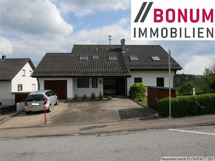 Großzügiges 2-Familienwohnhaus mit 9 Zimmern in idyllischer Wohnlage
