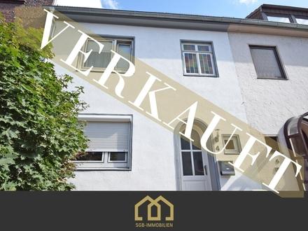 verkauftt Anlage: Neustadt / Renoviertes Mehrgenerationenhaus mit 3 WE, Terasse, Garten, Balkonen