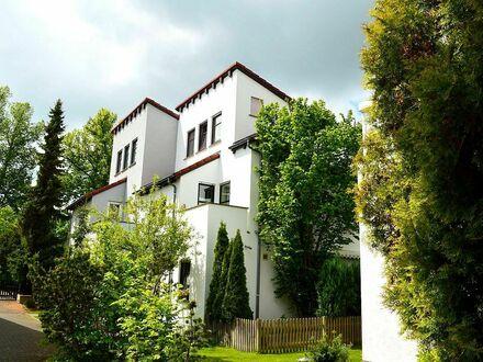 Doppelhaushälfte in interessanter Architektur