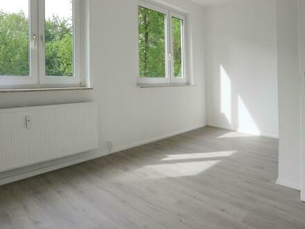 600 EUR Gutschein für Sie!* Viel Platz für wenig Geld! 4 Raum Wohnung zu vermieten