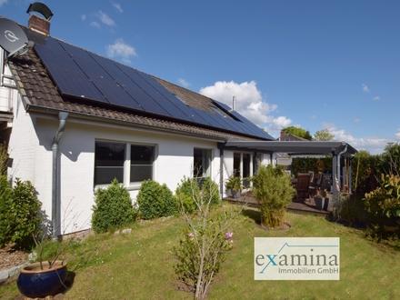 Modernisiertes Einfamilienhaus mit toller Ausstattung, Photovoltaikanlage und Doppelgarage.