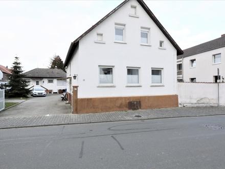 Zwei Einfamilienhäuser auf 968 m² Grundstück in guter Lage von Biebesheim