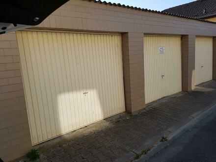 Garage in sehr guter Lage zu vermieten.