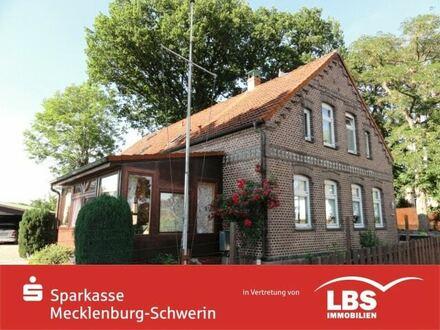 Mehrgenerationenhaus mit Garten-Café und Elbblick