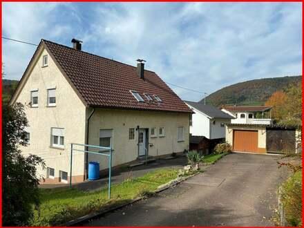 Zweifamilienhaus in ruhiger Lage!