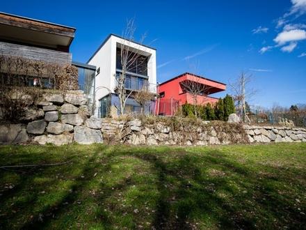 PLAINFELD | Mein Logenplatz – Exklusives Panorama-Loft mit Garten