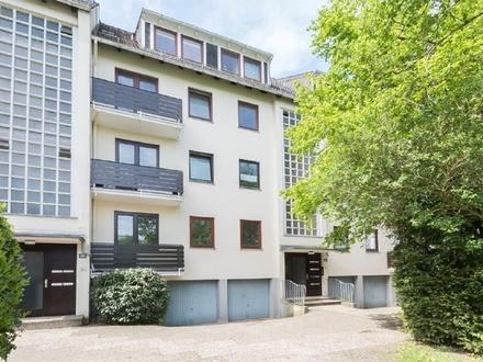 Modernisierte 2-3 Zimmer Eigentumswohnung in Schwachhausen mit kleinem Garten und einer Einzelgarage