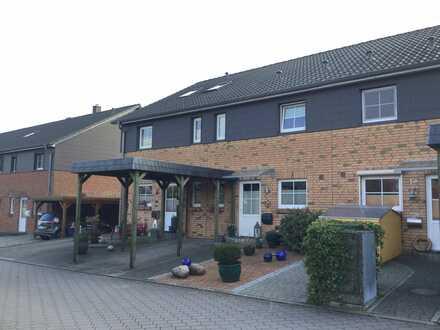 Schleswig : Sehr schönes neuwertiges Reihenmittelhaus