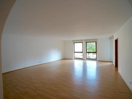 4,5-Zimmer Innenstadt-Wohnung mit repräsentativen Wohn-/ Essbereich inklusive TG