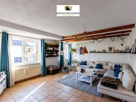 Helle und großzügige 6 Zimmer Wohnung mit schönem Gartenanteil