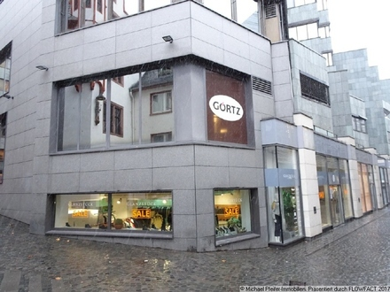 Top moderne Ladenfläche in werbewirksamer Ecklage im Brand Zentrum von Mainz