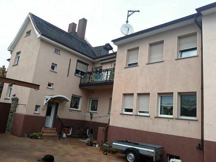 Großes Ein-bis Zweifamilienhaus mit verschiedenen Nutzungsoptionen!