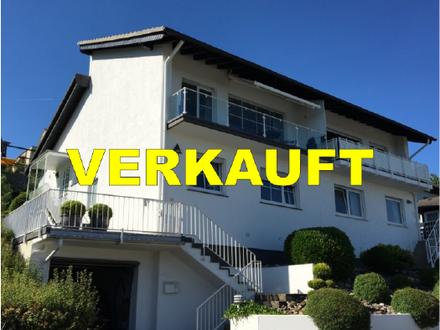 Schicke Doppelhaushälfte mit sensationellem Panorama