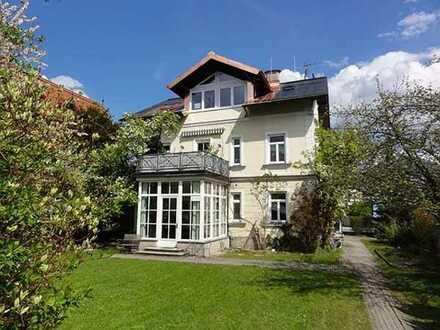 Bezaubernde 3-Zimmer-Dachgeschosswohnung in einer Stadtvilla, Salzburg Stadt