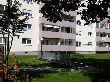 Zentral gelegene 3 Zimmer-Wohnung in Königsbrunn