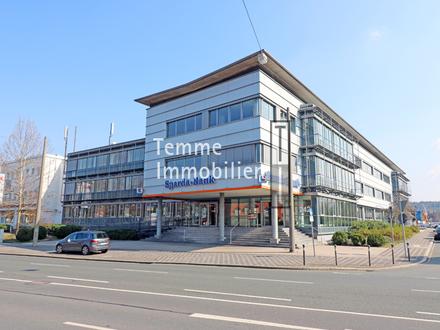 Attraktives Bürogebäude mit Dachterrasse in verkehrsgünstiger Lage | Tiefgarage & Kantine