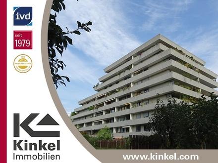 Großzügige 3,5-Zimmer-OG-Wohnung mit herrlicher Aussicht und großem, überdachtem Süd-Balkon, Aufzug