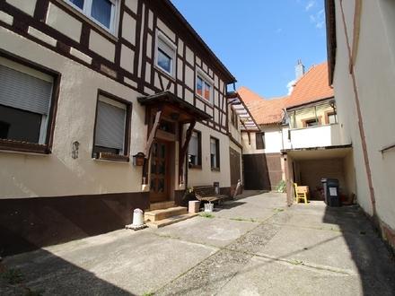 Haus- und Hofanwesen mit Gewölbekeller!