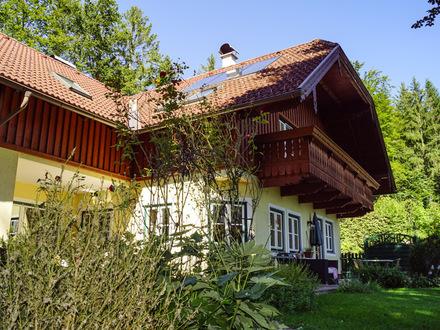 Wolfgangsee: Familiensitz - Alleinlage & Seeblick!