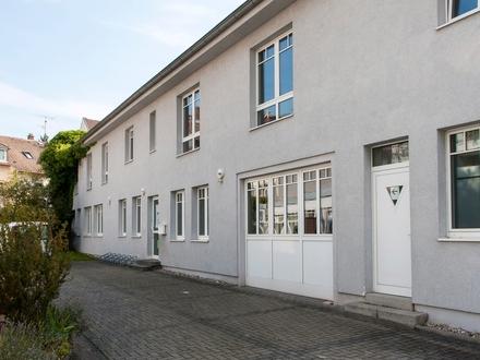 Komplettes Bürogebäude in zentraler Lage