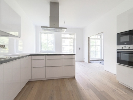 Kernsanierte 4-Zimmer-Hochparterre-Wohnung mit Balkon in Bestlage Bremens
