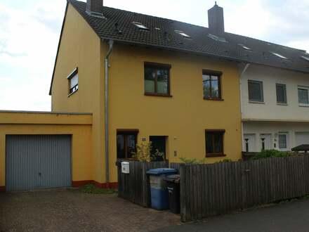 Gepflegtes Reiheneckhaus in guter Lage von Schweinheim