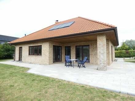Großzügiges Wohnhaus mit Saunaraum und tollem Garten!