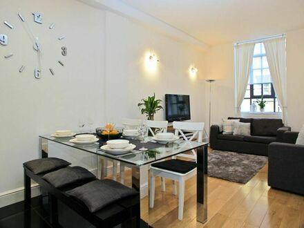 Geräumige und komplett eingerichtete Wohnung