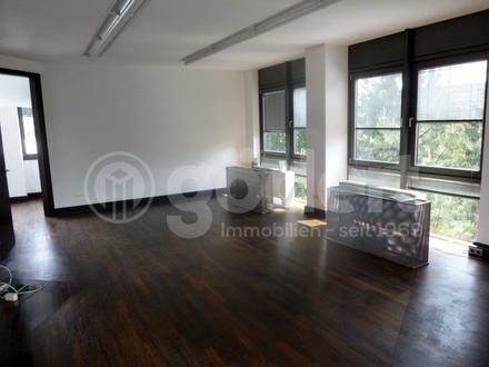 Ideale Bürofläche mit Stellplätzen in gut frequentierter Lage!