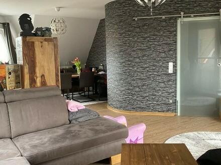 Maisonette-Wohnung mit Einbauküche, Kellerraum & Stellplatz in guter Zentrumslage