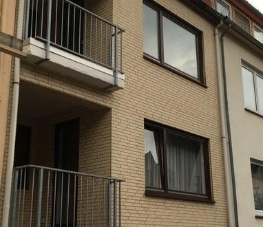 Ruhig gelegene 2-Zimmer-Wohnung mit Loggia und Balkon